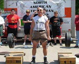18 inch deadlift with 450  at Xenia Strongman May 2006